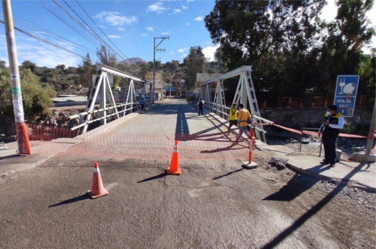 Cierran tránsito en el puente La Villa para continuar con trabajos de mejoramiento vial