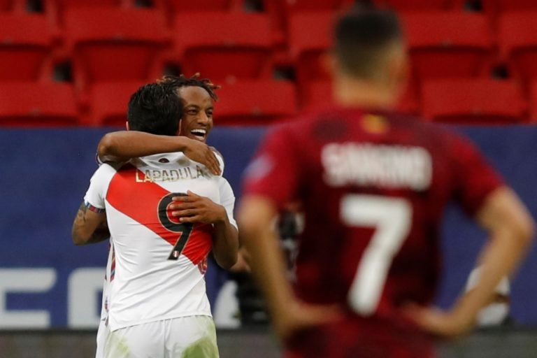 Perú clasificó como segundo a cuartos de final y conocerá mañana a su rival