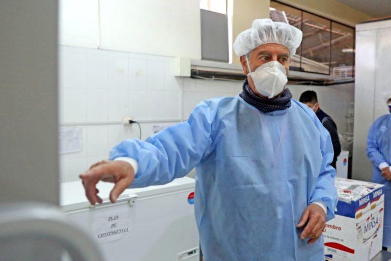 Exigen priorizar vacunación en Islay al continuar en nivel de alerta extremo