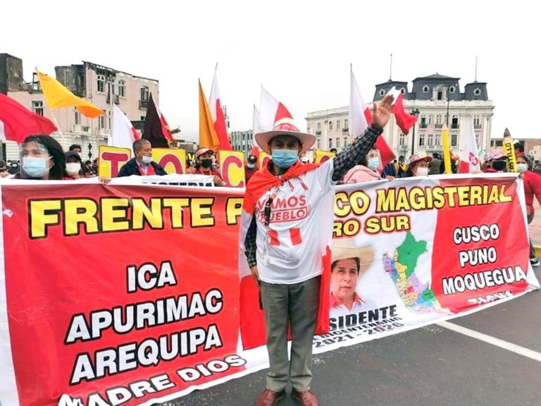 """TRINQUETES POLÍTICOS:Los """"moquegualtecos"""" en lima"""
