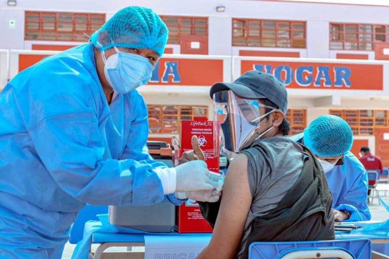 Southern Perú apoya en la implementación de tres vacunatorios covid-19 en Tacna