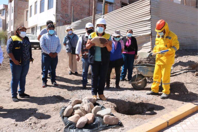 Moquegua: Colocan primera piedra en proyecto complementario de calle Hernán Turcke