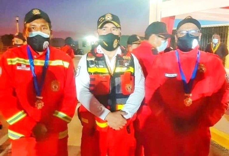 """Ilo: Reconocen con la medalla """"Soldado de Fuego"""" a subteniente Richard Sánchez"""