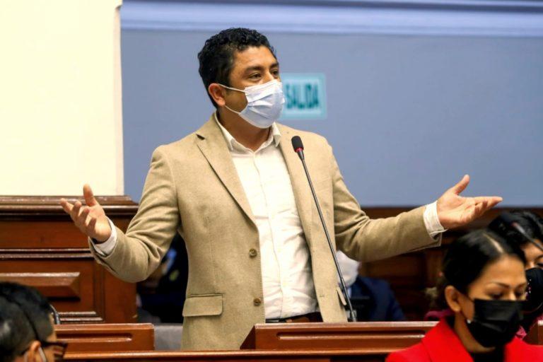 Testigo afirma que Guillermo Bermejo se reunió con el comité de apoyo a Sendero Luminoso