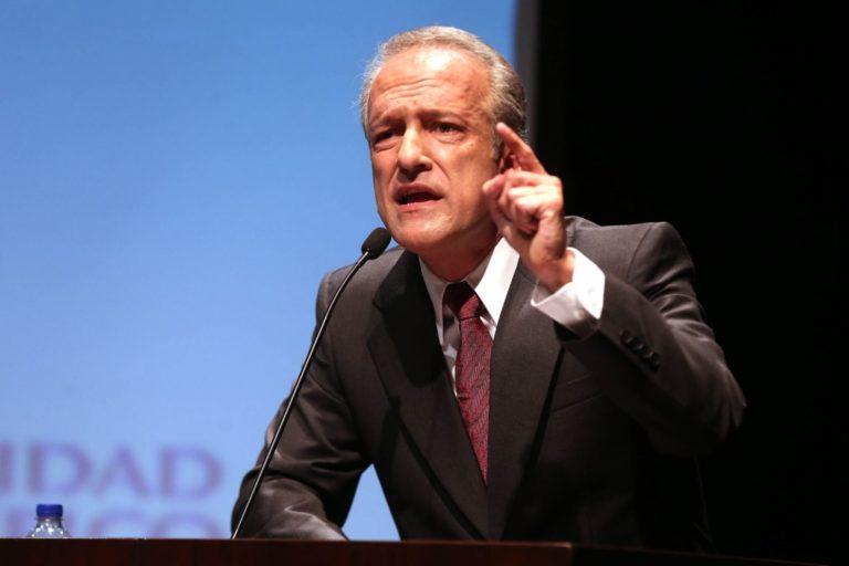 Censura a Héctor Béjar sería un día antes del pedido de confianza del Gabinete Bellido