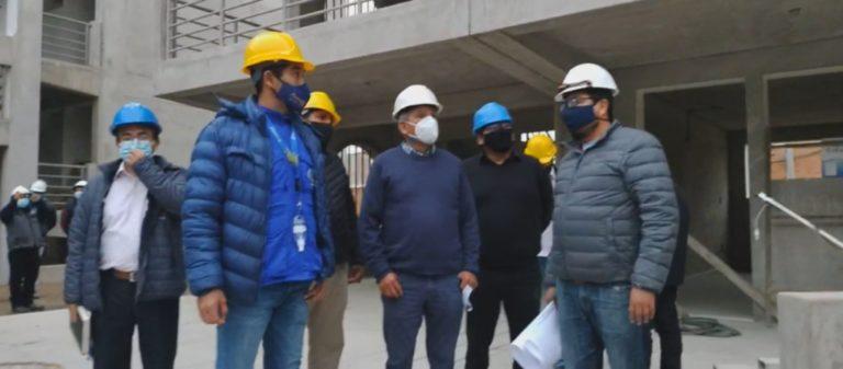 Gerente general del GRA arribó a Mollendo a inspeccionar obras del instituto Basadre