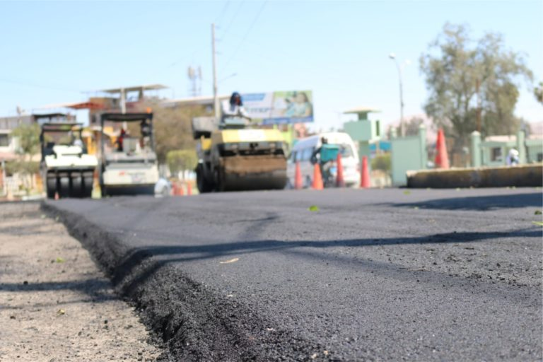 Moquegua: Inician proceso de colocación de asfalto en caliente de la Av. Ejército