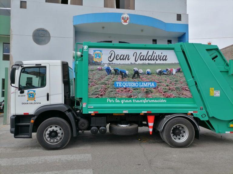 Deán Valdivia: municipio adquiere nuevo camión compactador de basura