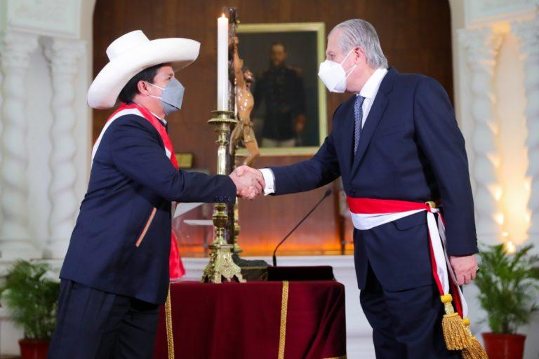 Óscar Maúrtua juró esta noche como nuevo Canciller de la República
