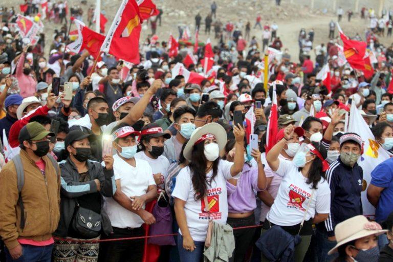 """TRINQUETES POLÍTICOS:Perú Libre no promete """"capote"""""""