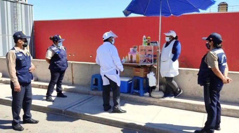 Trabajadores del GORE Moquegua vuelven a consumir alimentos en las afueras de la institución