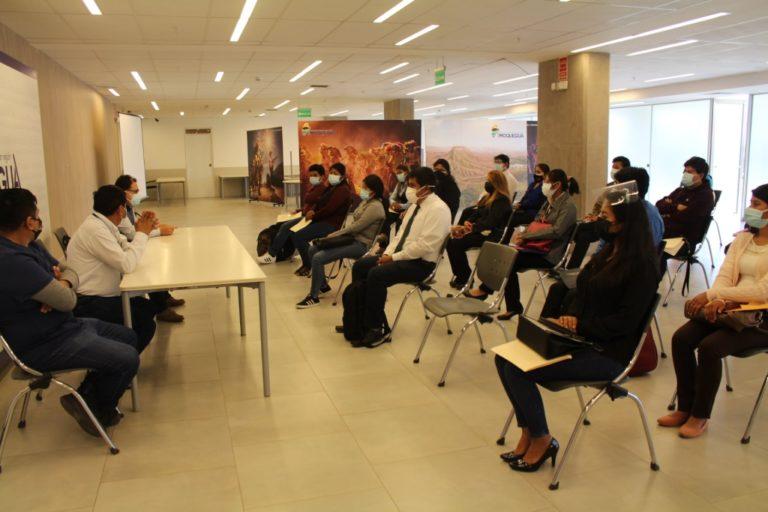 Presentan a 32 jóvenes que realizarán prácticas en el GORE Moquegua