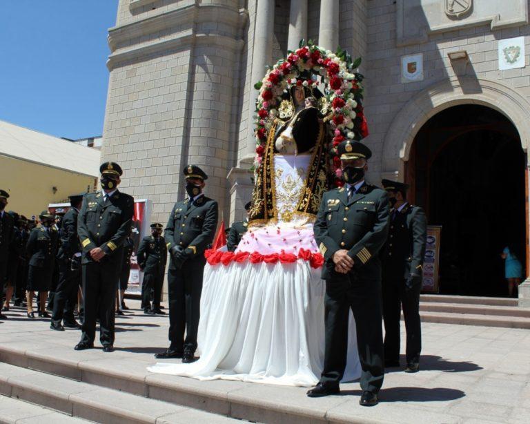 Policías y enfermeras rinden homenaje a su santa patrona Santa Rosa de Lima