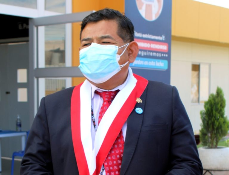 Congresista por Tacna Fernando Herrera verificó situación de hospital de EsSalud