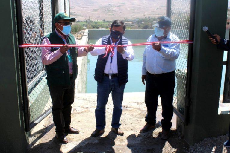 GORE Moquegua entrega reservorio a agricultores de Santa Rosa