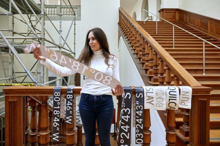"""""""Todos los faros de la costa peruana"""" de Luz María Bedoya en el Museo de Arte de Lima"""