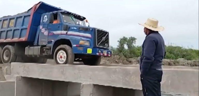 La Curva: Habilitan pontón en el dren Buena Esperanza Baja
