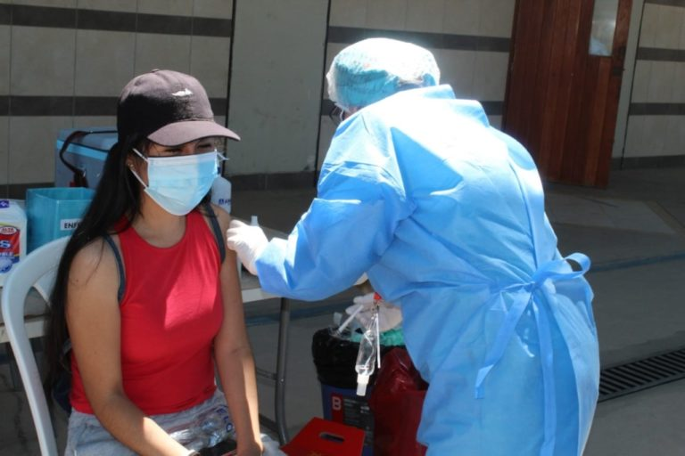 Más de 18 mil personas mayores de 18 años se vacunaron el fin de semana en Moquegua e Ilo