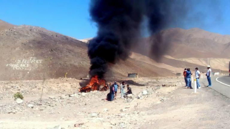 Vehículo se despista, vuelca y se incendia en la Panamericana
