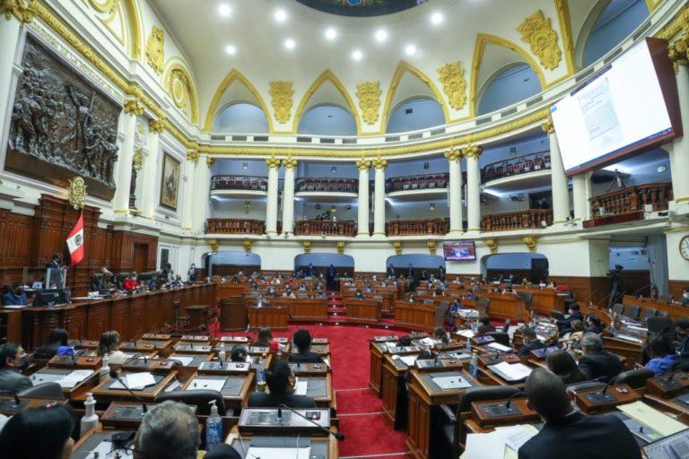Legisladores firmaron moción de censura multipartidaria contra el ministro Iber Maraví