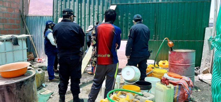 Torata: Incautan combustible que se vendía en tienda de abarrotes