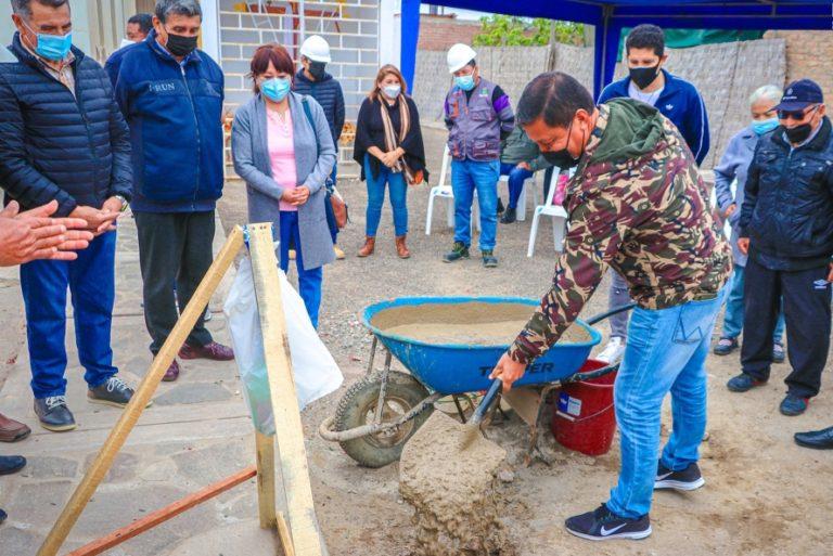 Punta de Bombón: Colocación de primera piedra para crear servicio de agua potable y saneamiento