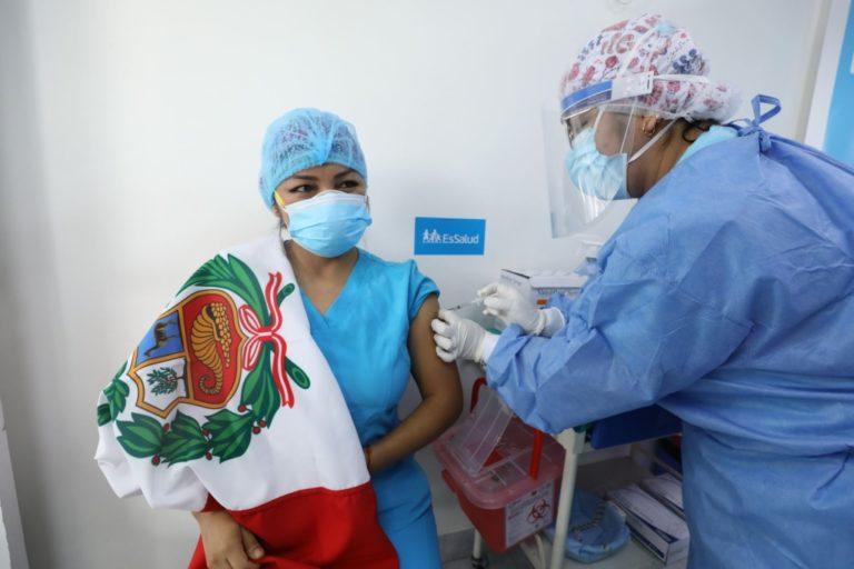 Arequipa: Hoy miércoles inicia aplicación de terceras dosis de refuerzo a personal de salud