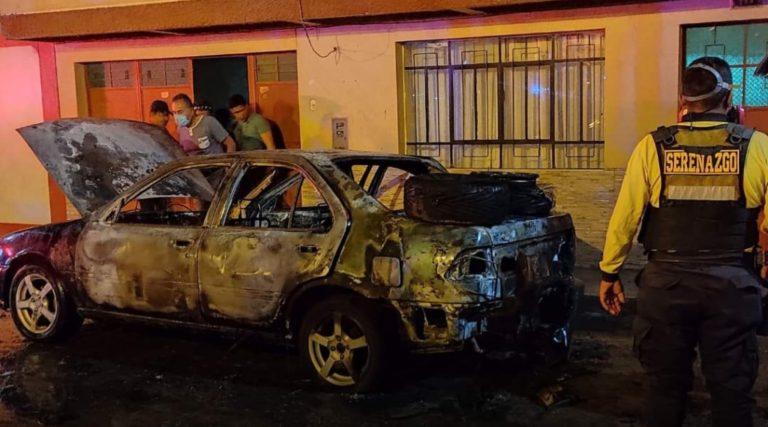 Moquegua: Vehículo de propiedad del médico Jorge Luis Monroy arde en llamas